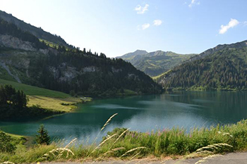 Vivre à Albertville montagnes et lacs Alpes